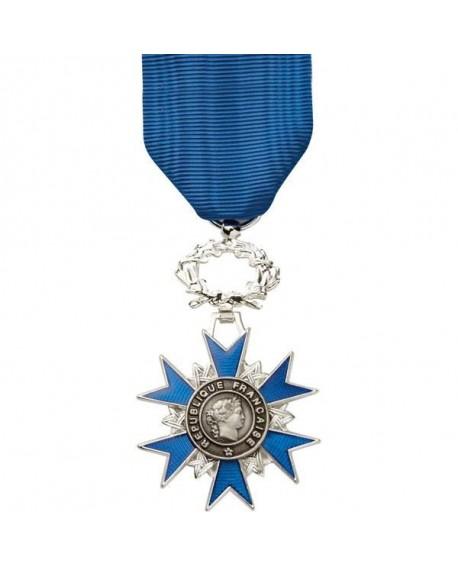 médaille du mérite